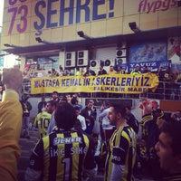 Photo taken at Nazlı'nın Yeri by Emin S. on 11/10/2013