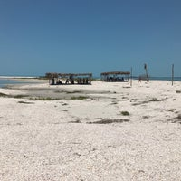 Photo taken at Cayo Arenas by FENIX3000 on 4/14/2017