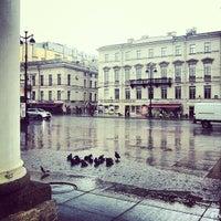 Снимок сделан в Большой Гостиный двор пользователем Dasha S. 6/17/2013