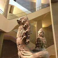 Photo taken at Musée Guimet – Musée National des Arts Asiatiques by Lopy on 1/20/2013
