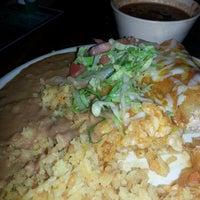Foto tomada en Los Mariachis por Mary Jane S. el 4/18/2013
