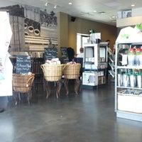 Photo taken at Starbucks by Fernando M. on 6/22/2013