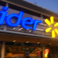 Foto tomada en Hiper Lider por Javier A. el 11/25/2012