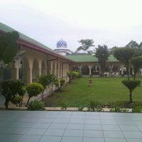 Foto scattata a Masjid al-Hasanah مسجد الحسنة da Fauzan f. il 12/18/2012