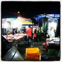 Photo taken at Pasar Malam Bandar Baru Bangi by EMa D. on 1/8/2013