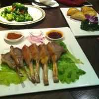 Photo taken at 耶里夏丽新疆餐厅 | يەر شارى by Hasibe C. on 4/7/2013