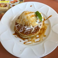 Photo taken at Denny's by ゆう on 4/18/2018