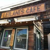 รูปภาพถ่ายที่ Leilani's Cafe โดย Robert M. เมื่อ 2/18/2013