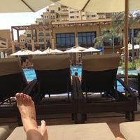 7/31/2016 tarihinde Ирина К.ziyaretçi tarafından Rixos Bab Al Bahr Pool'de çekilen fotoğraf