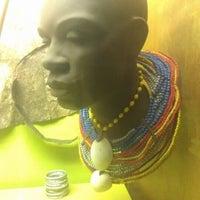 รูปภาพถ่ายที่ Hall of African Peoples โดย Jenny L. เมื่อ 4/1/2013