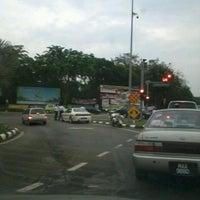 Foto diambil di Persimpangan IPK Melaka oleh Wen H. pada 7/18/2013