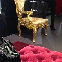 Das Foto wurde bei Dolce&Gabbana von Anastasiya S. am 12/11/2014 aufgenommen