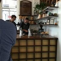 Снимок сделан в Gracenote Coffee пользователем Mitesh A. 10/15/2015