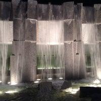 5/2/2014 tarihinde Elena K.ziyaretçi tarafından Yerba Buena Gardens'de çekilen fotoğraf