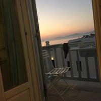 Photo prise au Poseidon Hotel & Suites par Sheila S. le11/21/2016