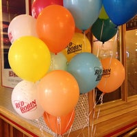 Photo taken at Red Robin Gourmet Burgers by Savitry M. on 5/23/2013