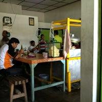 Photo taken at Soto Lamongan Cak Ngun & Cak Sodik by Virgio R. on 2/18/2013