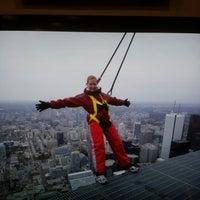 Foto tomada en Torre CN por Mel W. el 10/13/2012