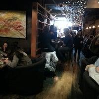 Das Foto wurde bei Insomnia Restaurant and Lounge von Mel W. am 1/1/2013 aufgenommen