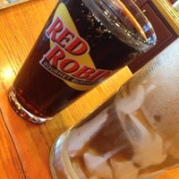 Photo taken at Red Robin Gourmet Burgers by Karen Z. on 6/30/2013