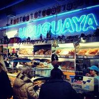 Foto tomada en La Gran Uruguaya Bakery por Anjali M. el 3/3/2013