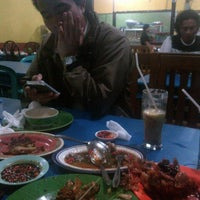 Photo taken at Seafood 212 by Ridwan N. on 8/10/2013