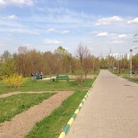 Снимок сделан в Братеевский каскадный парк пользователем ElenaEgo 4/27/2014