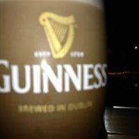 Photo prise au Dublin Ale House Pub par David T. le9/14/2013