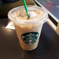 Foto tirada no(a) Starbucks por Tu em 1/23/2018