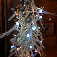 Photo prise au Loft Café par Damoiseau d. le12/16/2012