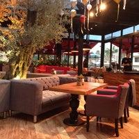 12/16/2013 tarihinde Yse💫ziyaretçi tarafından Cafe Locale İstanbul'de çekilen fotoğraf