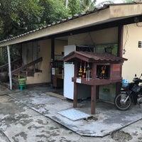 Photo taken at Wat Pho Herbal Sauna by Nikita F. on 12/30/2017