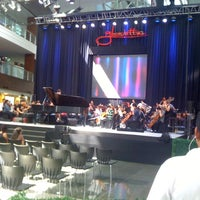 Photo taken at Glorietta by Lawrence F. on 5/10/2013
