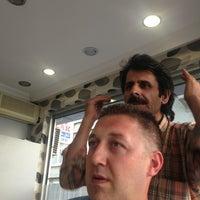 Das Foto wurde bei Altıntarak Erkek Kuaförü von Melih ethem Y. am 9/14/2013 aufgenommen