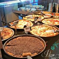Foto tirada no(a) Pizza Hut por Presidente M. em 6/7/2016