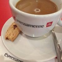 Photo taken at Espressamente Illy by Trissie C. on 10/8/2012