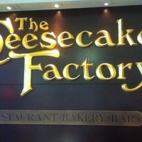 Photo taken at The Cheesecake Factory by Gustavo T. on 7/27/2013
