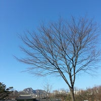 Photo taken at 서울시립미술관 경희궁분관 by BE on 2/2/2013