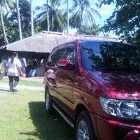 Photo taken at Ikan Bakar Mbok Sarikah by Nobie J. on 12/23/2012