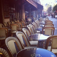 Photo taken at Les Têtes Brûlées by Kristina V. on 9/29/2012