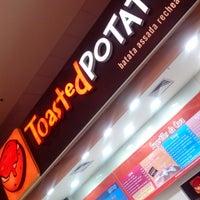 Photo taken at Toasted Potato by Cristiane Z. on 12/17/2013