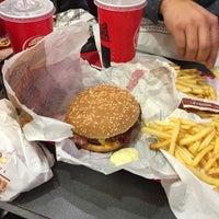 Das Foto wurde bei Burger King von Nick G. am 12/26/2017 aufgenommen