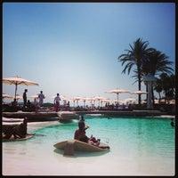 Foto tomada en Destino Pacha Ibiza Resort por Vinz el 8/18/2013