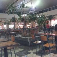 Foto tomada en Patio de Comidas Mall Florida Center por Ximena R. el 2/9/2013