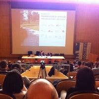 Das Foto wurde bei Escola Tècnica Superior d'Arquitectura von Enrique Alario A. am 12/13/2013 aufgenommen
