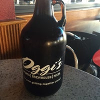 Photo taken at Oggi's Sports | Brewhouse | Pizza by Marie G. on 5/30/2015