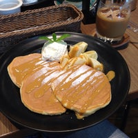 Photo taken at カフェ・ド・ペラゴロ CAFE de PERAGORO 堺北花田店 by yoshi k. on 4/28/2015