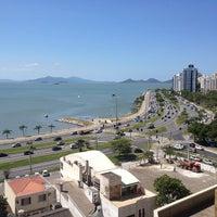 Foto tirada no(a) Beiramar Shopping por Matheus B. em 11/21/2012