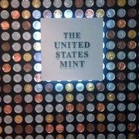 Das Foto wurde bei United States Mint von Lisa W. am 1/4/2013 aufgenommen