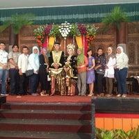 Das Foto wurde bei Gedung Madu Candya, Madukismo Yogyakarta von Nurul N. am 1/18/2015 aufgenommen